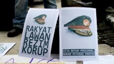Aksi Damai Tolak Pelumpuhan KPK di Car Free Day (CFD) Bandung, 25 Januari 2014.