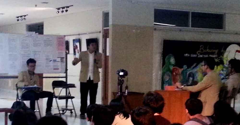 Debat Cakahim Teknik Industri yang berlangsung di lantai 1 Gedung 10, Rabu (22/4). MP/ Vincent Fabian