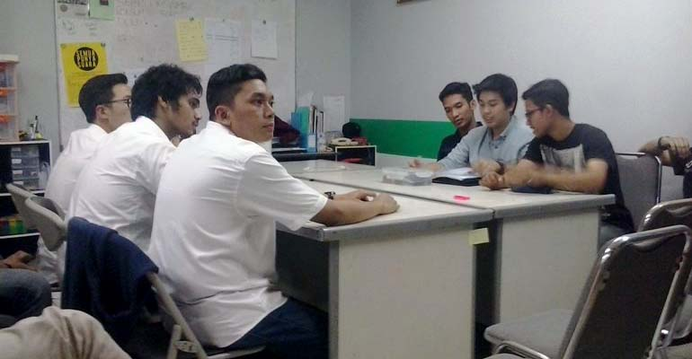 Sidang gugatan di sekretariat MPM, Selasa (5/5) hingga Rabu (6/5) dini hari. MP/ Vincent Fabian