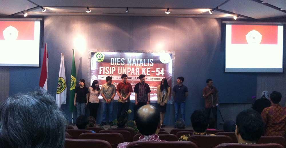 Peringatan Dies Natalis FISIP Ke-54 bertempat di ruang audio visual FISIP pada Selasa (19/8). Dok. MP/ Hilmy Mutiara