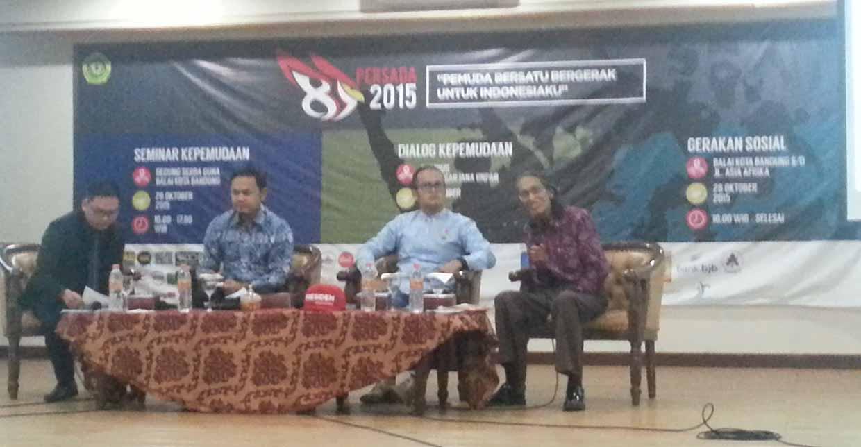 Dari kiri ke kanan, Bima Arya, Asep Kambali, Anhar Gonggong saat sesi 1 Seminar Kepemudaan Persada 2015, MP/ Vincent