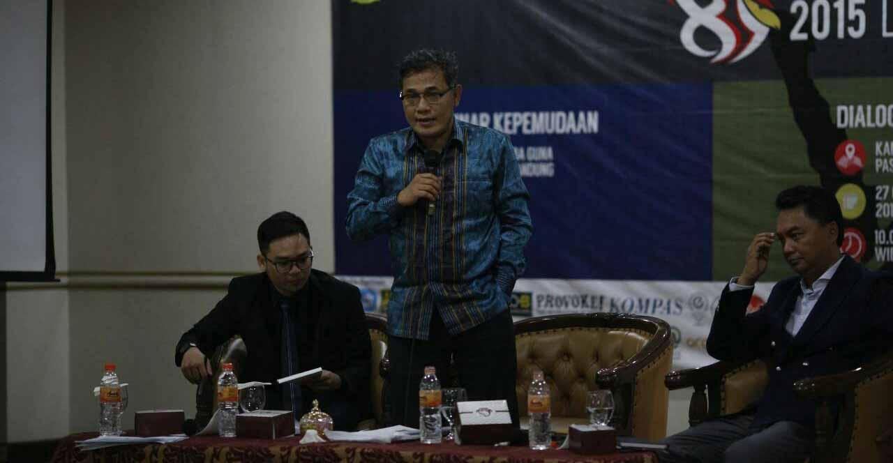 Tengah : Budiman Sudjatmiko, Kanan : Dino Patti Djalal, Dok PM Unpar