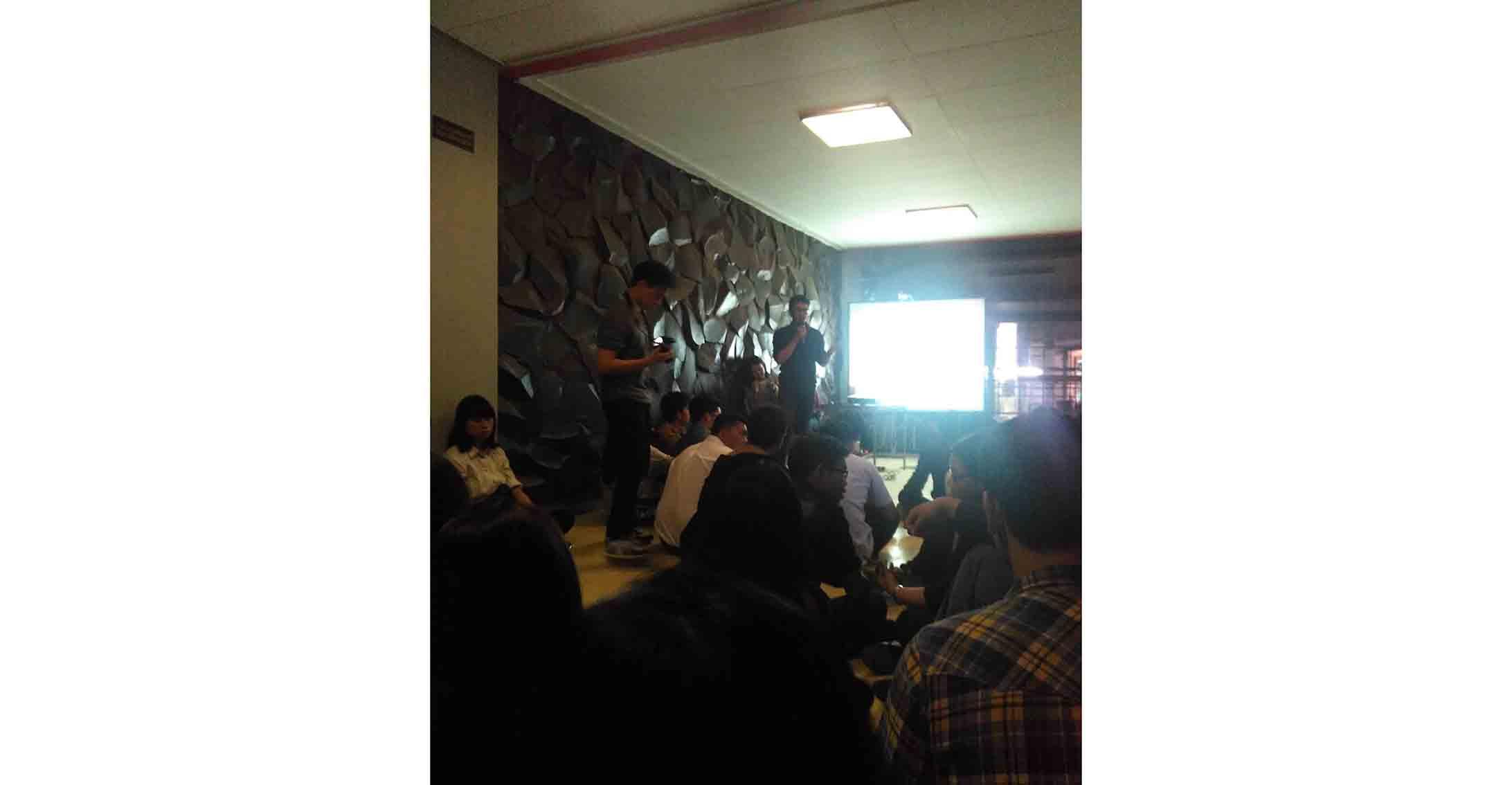 Suasana Forkom yang diadakan oleh KPUPM di Selasar Hukum, Jumat (12/3) lalu. dok/Yugo Anugrah