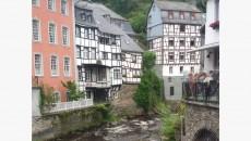 Suasana Rumah dan pinggiran sungai di Monschau. dok/Tanya Lee