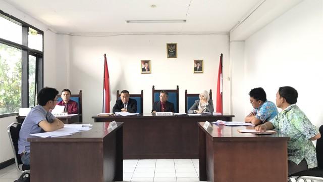 Sengketa Informasi  antara Vincent dan Pemerintah Kota Bandung pada Kamis 21 Juli 2017. Dok/KI Jabar.