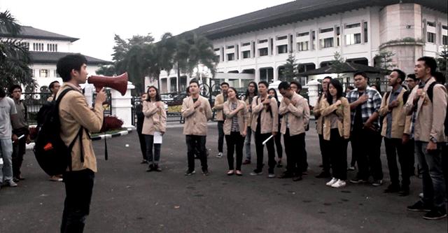 Video: Aksi Persatuan Mahasiswa Unpar Memperingati 17 Tahun Reformasi