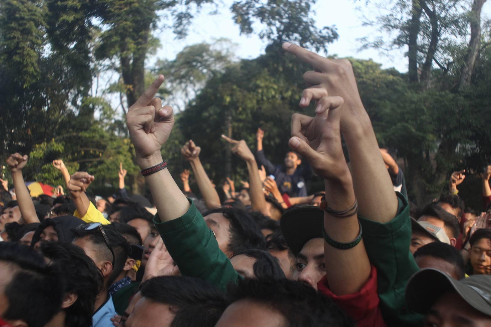 Demonstrasi Bandung Berakhir Ricuh