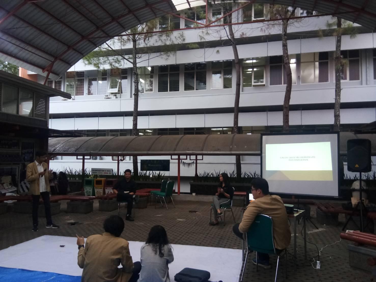 Debat Senat Mahasiswa HI-Adbis: Representasi Kelayakan Perwakilan